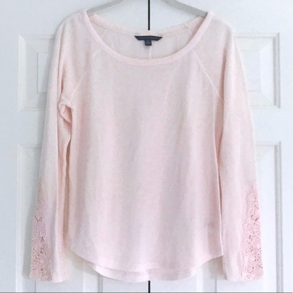 0a2f9acd370a American Eagle Outfitters Tops - American Eagle | Light pink thermal  crochet arms